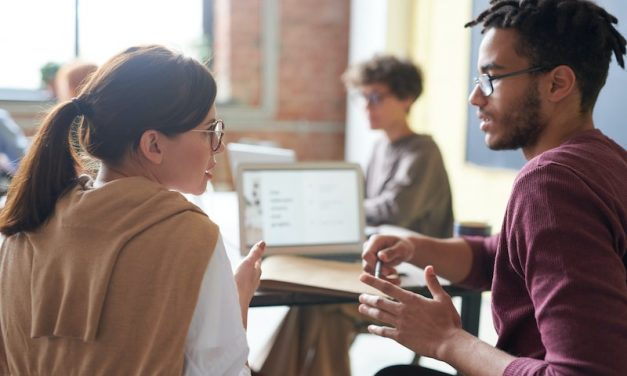 Develop Effective Listening Skills – 10 Steps To Help You