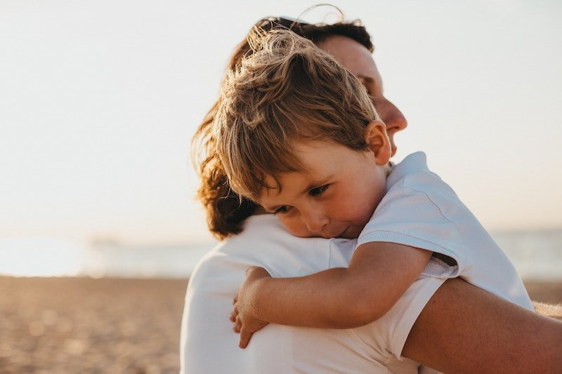 How and when to apologise to your child when you are in the wrong